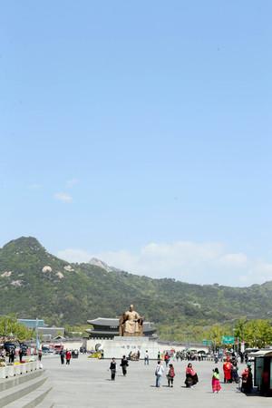 [뉴스핌 포토] 5월 황금연휴 앞둔 화창한 서울 날씨…자외선 주의