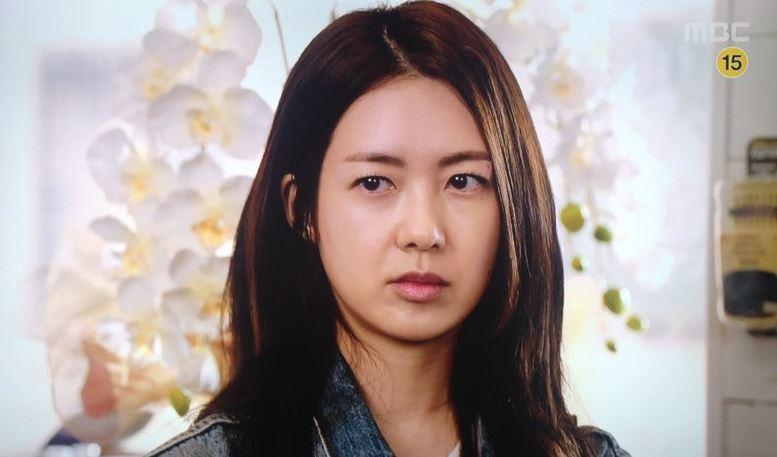 美人の睨み画像 [無断転載禁止]©bbspink.com->画像>103枚