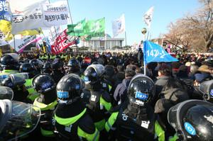 [뉴스핌 포토] 국회 앞 탄핵촉구 집회