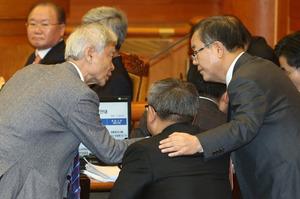 [뉴스핌 포토] 마지막 증인신문...분주한 박 대통령 대리인단