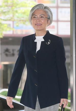 [뉴스핌 포토] 강경화 외교부장관 후보자 귀국…청문회 준비