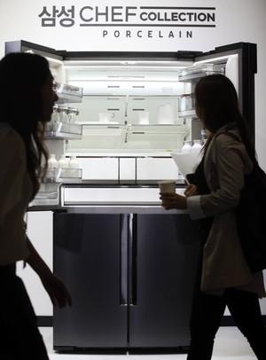 [뉴스핌 포토] 도자기로 빚은 명품 냉장고 나왔다