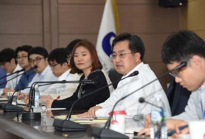 김동연·김상조 '경제투톱'의 파격…신선한 바람 or 희망사항?