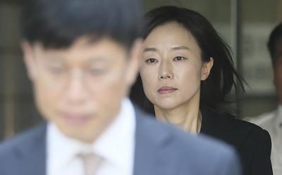 [뉴스핌 포토] 조윤선 항소심 첫 재판 시작…82일만에 밝아진 얼굴색
