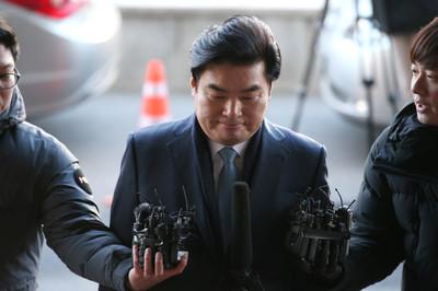 한국당, 의원들 잇단 검찰 소환에 '초긴장'…돌파전략은?