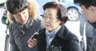[뉴스핌 포토] '횡령·배임' 신연희 강남구청장, 피의자 신분 경찰 출석