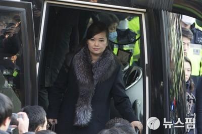 [영상] '옅은 미소' 현송월, 잠실체육관 점검