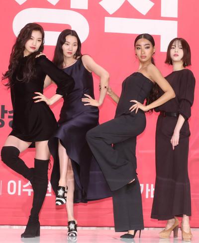 [뉴스핌 포토] '겟잇뷰티 2018' 장윤주x김도연x문가비x김수미, 이 보다 더 섹시할 수 없다