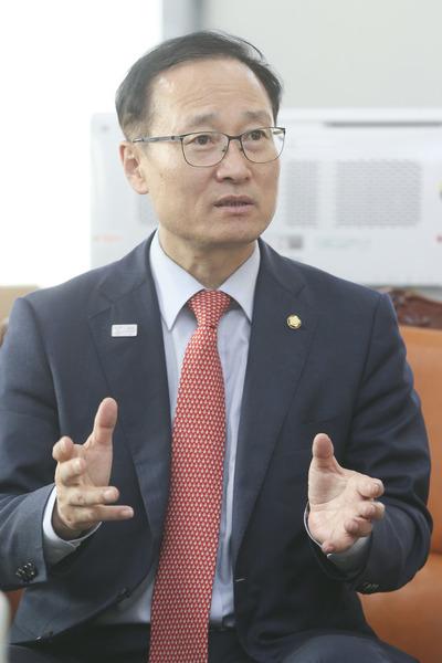민주당, GM대책반 긴급 구성..반장에 홍영표 의원