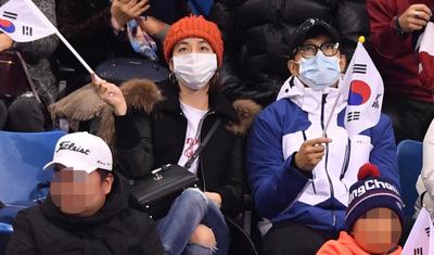 [뉴스핌 포토] 쇼트트랙 경기장 찾은 이민정-이병헌 부부