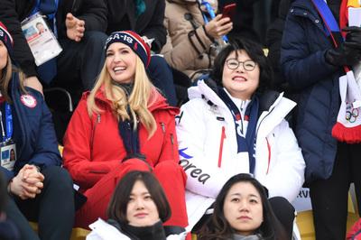 [뉴스핌 포토] '미소 활짝' 경기장 찾은 김정숙 여사‧이방카 보좌관