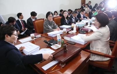 [뉴스핌 포토] 국회 환노위, 최저임금법 개정안 심사 돌입