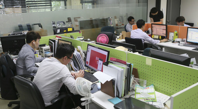 [주 52시간] 도입 시험 중인 유통기업들