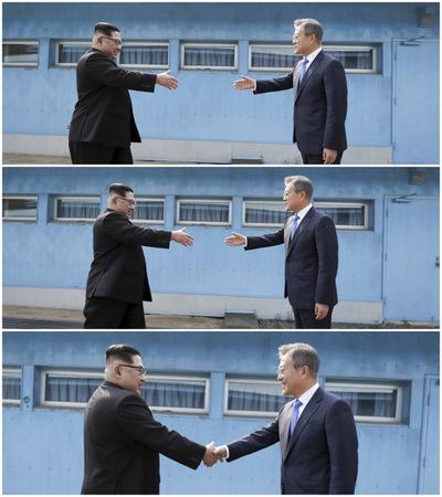 [사진] 전 세계가 주목한 순간... 문재인‧김정은 '악수'