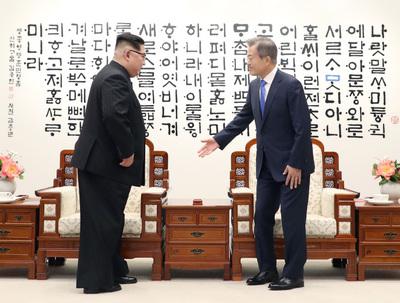[남북정상회담] 당일치기 오후 회담 키워드는 '친교'..공동식수·산책 '상호신뢰' 늘려