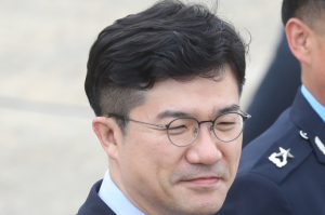 [사진] '드루킹 연루' 의혹 불거진 송인배 靑 비서관...문 대통령 방미 수행