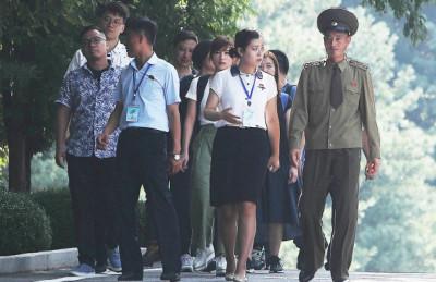 [사진] 판문점 북측 지역에서 만난  관광객