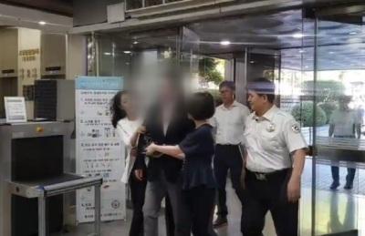 [영상] 삼성 前 미래전략실 부사장, 노조법 위반 구속심사서 '묵묵부답'
