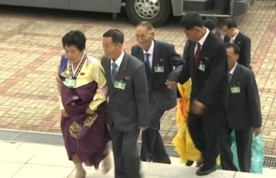 [영상] 2일차 남북 이산가족 개별 상봉...한층 밝아진 분위기