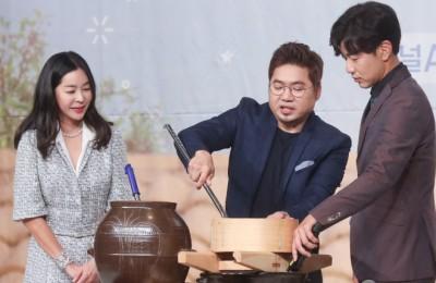 """[영상] 이혜영 """"우리가 빚은 막걸리, 남북정상회담 건배주 되었으면"""""""