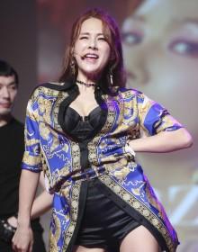 [사진] 채연 컴백, 여전한 섹시미 발산!