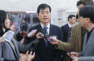 [사진] 답변하는 김태한 삼성바이오로직스 대표