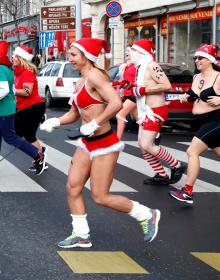"""[사진] """"오늘은 내가 산타""""...산타런 마라톤 참석한 시민들"""