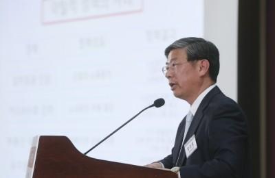 """[영상] 양준모 교수 """"한국경제 위기 속 정부 정책은 참 철부지가 없다"""""""