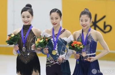 [사진] 활짝 웃는 유영-임은수-이해인 '세계선수권으로 가자!'