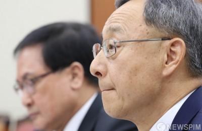 KT, '황창규 로비사단'中 前방통위 국장 '불법취업' 정황도