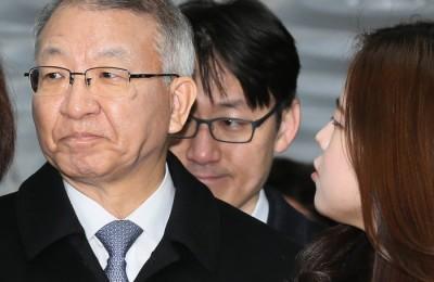 [사진] 양승태 전 대법원장, '묵묵부답'