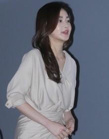 [사진] 강소라 '누드톤 드레스로 등장'