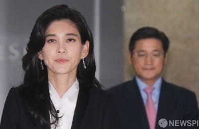 """호텔신라 """"이부진 사장 의혹 보도, 상황 지켜본 뒤 법적대응 검토"""""""