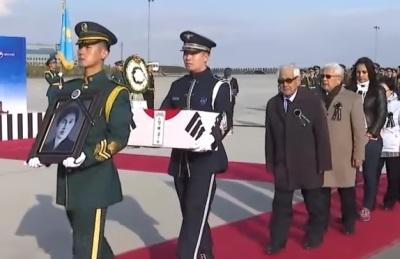 [영상]  文 대통령, 카자흐스탄 잠든 독립유공자 봉환식 직접 주관