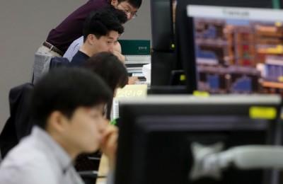 [환율 쇼크] 외국인 많이 사는 삼성전자·SK하이닉스 주가는?