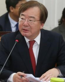 민주당, '한미 정상 통화기록 공개' 강효상 검찰 고발…외교상 기밀 누설혐의