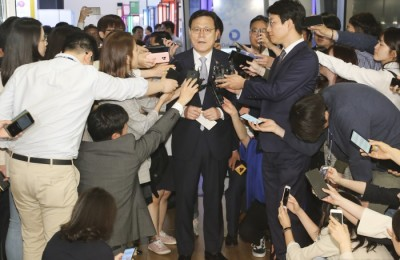 [사진] '타다' 논란에 입장 밝히는 최종구 위원장