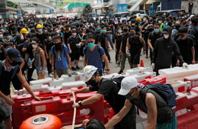영국, 홍콩에 최루탄 수출 중단...'시위 강경진압 반발'