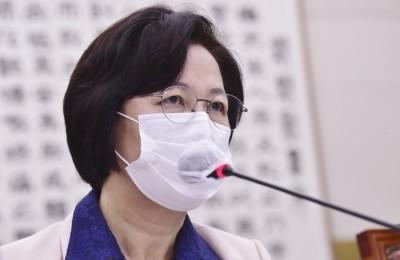'아들 특혜 휴가 의혹' 무혐의에 추미애 장관