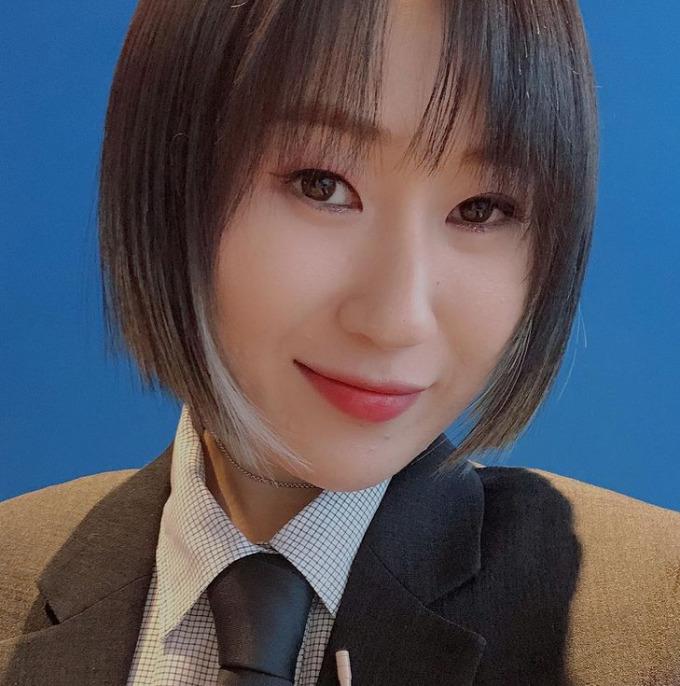 """'가수 게인'요 아리, 학교 학대 논란 부인 """"나는 가해자가 된 적이 없다"""""""