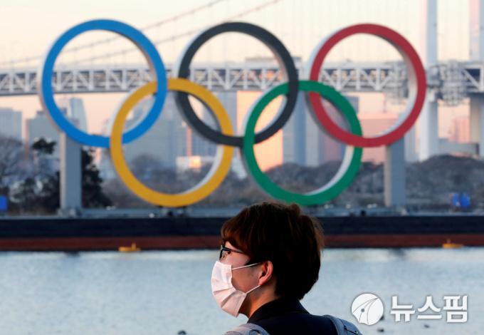 '도쿄 올림픽 주최위원회의 저주?'… 모리도 하차 '주인공 네 명 모두 떠난다'