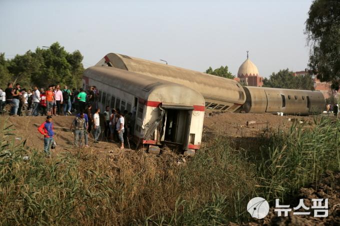 이집트 카이로 인근서 열차 탈선...11명 사망·98명 부상