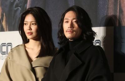 최수영-장혁 '카리스마 넘치는 커플샷'