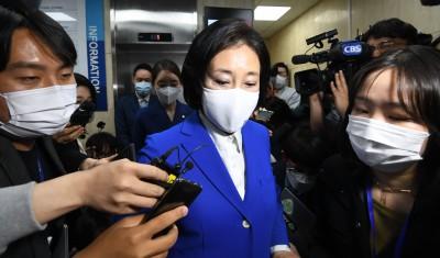 '어두운 표정의 박영선 후보'